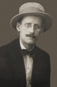 Fotografia di James Joyce nel 1915.
